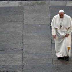 Une étreinte de feu – 356 / Pape François